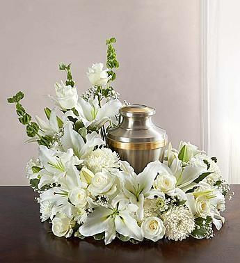 cremation-wreath-all-white_gofruitLarge