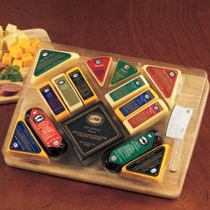 The-Ultimate-Gourmet-Cutting-BoardGift Basket - Gourmet Basket