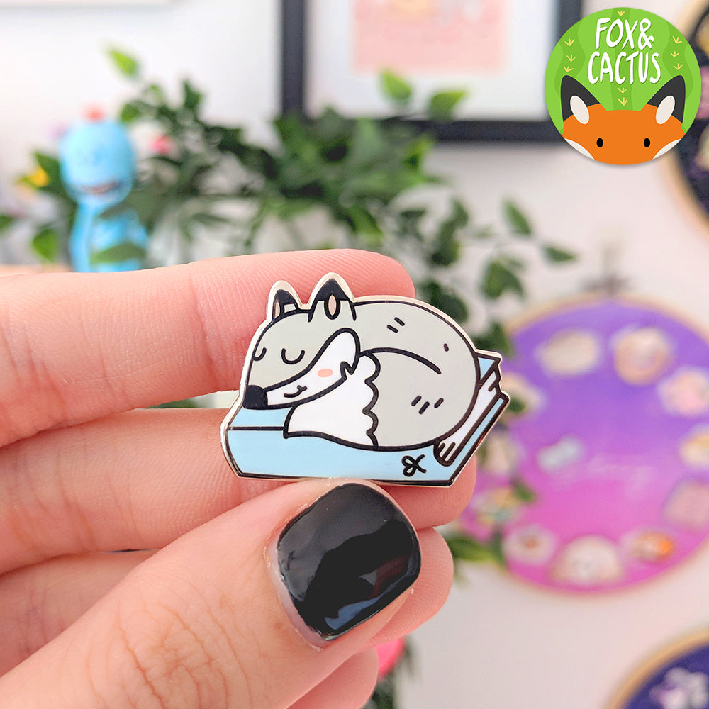 Winter Planner Fox Enamel Pin (ST0064)