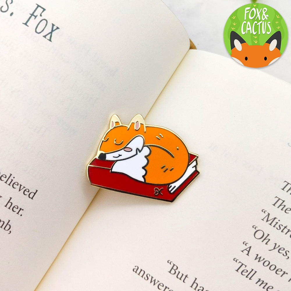 LIMITED Gold Planner Fox Enamel Pin (ST0059)