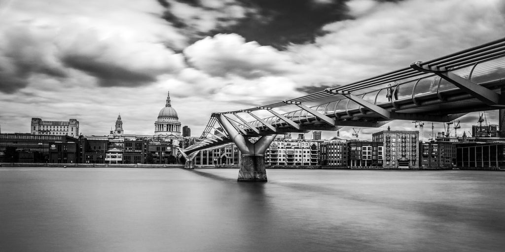 Millenium Bridge Downtown London England Canvas Print Metal Art Cityscape Landmark Bedroom Livingroom wall art decor home poster Thames