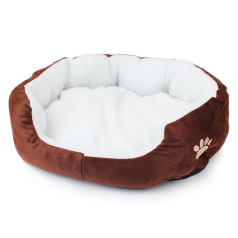 Classic warm wool dog bed