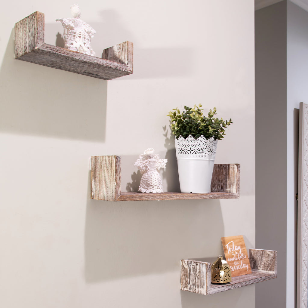 rustic-farmhouse-shelves