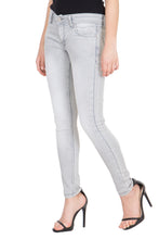 Load image into Gallery viewer, Kopyneko Women's Denim Stretchable Grey Jeans