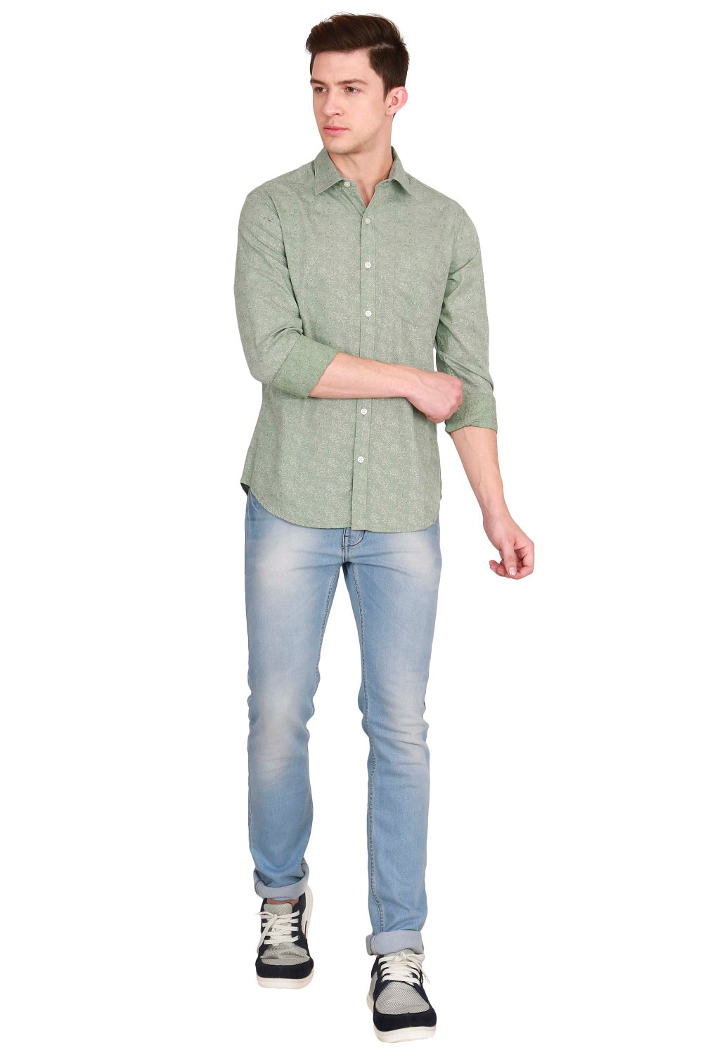 IMYOUNG Green Solid Slim Fit Casual Shirt