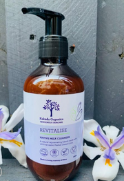 Kakadu Organics Revitalise Native Milk Cleanser