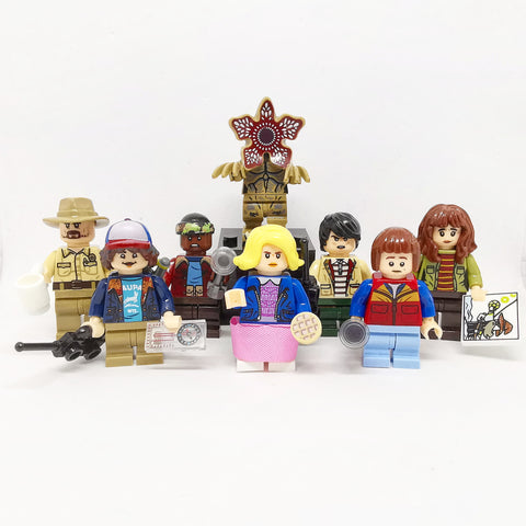 Stranger Things - Lot de 8 minifigurines Stranger Things