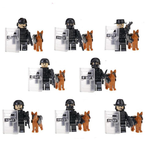 SWAT - lot de 8 minifigures SWAT incluant 8 chiens et armes