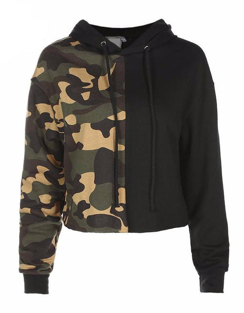 Black and Camouflage Pullover Cropped Hooded Sweatshirt