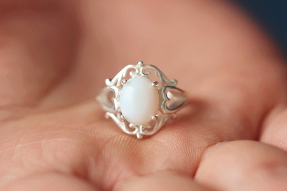 Load image into Gallery viewer, 925 sterling silver oval Moonstone ring Victorian ring