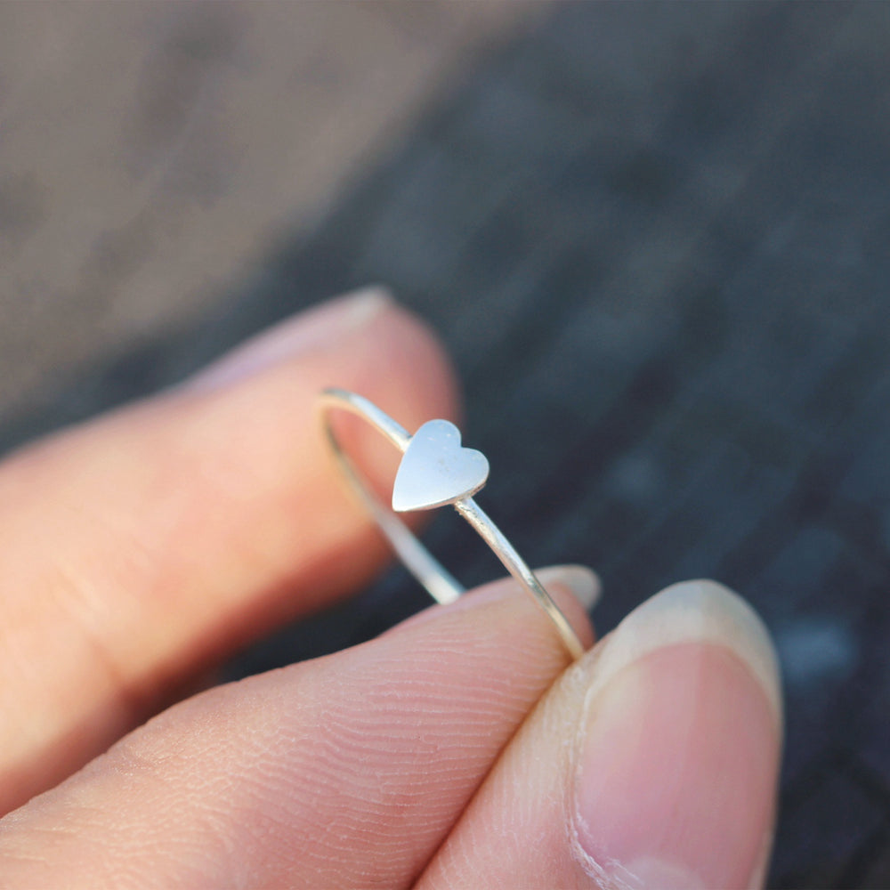 Load image into Gallery viewer, dainty love ring,tiny silver heart ring,925 Sterling silver heart jewelry,Minimalist Heart Ring,Heart Ring Silver,dainty silver ring