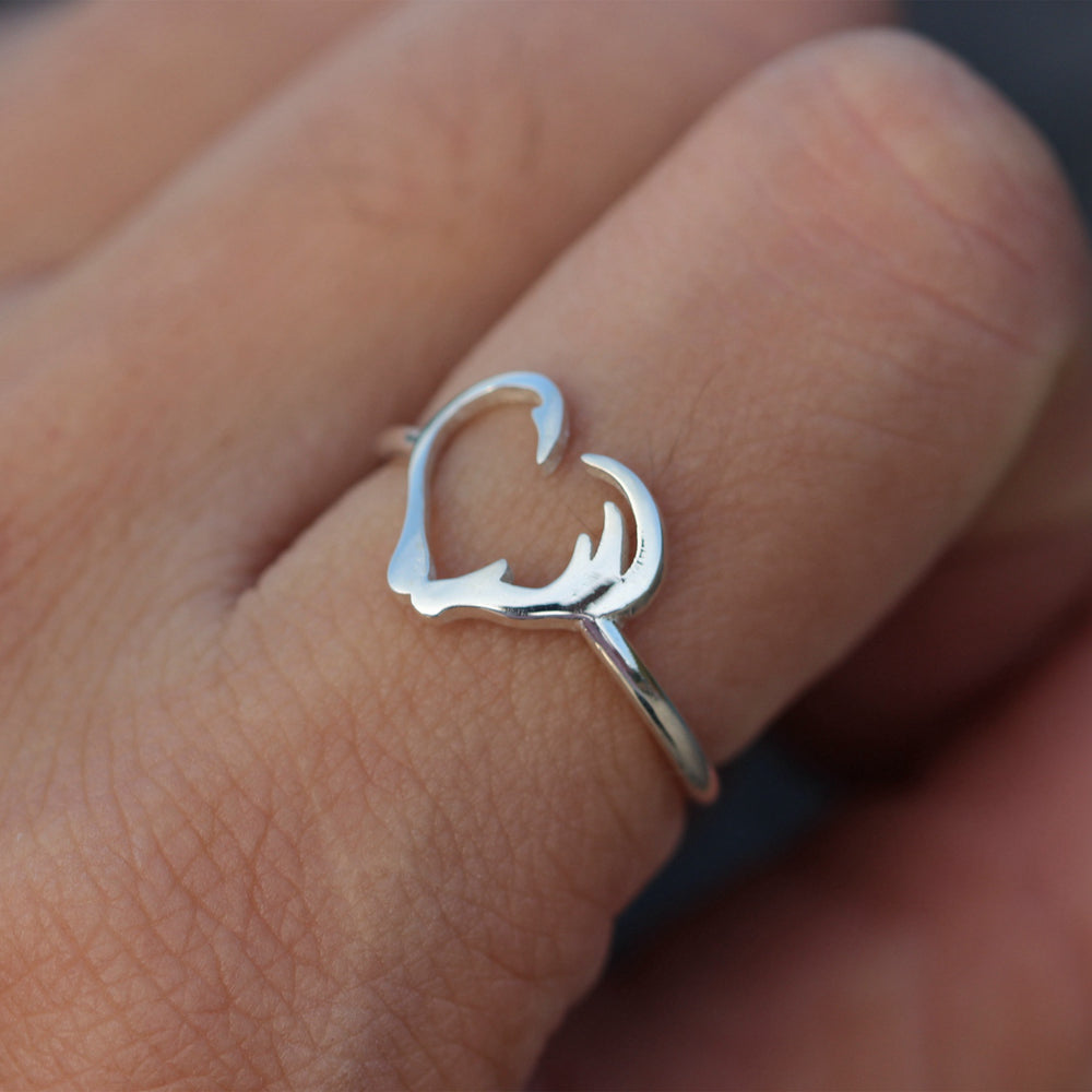 Load image into Gallery viewer, sterling silver Deer Antler Ring,Horns Wrap Ring,Mule Deer Antler Ring,Deer head Ring,Silver Antler Jewelry,Boho ring, Forest Jewelry