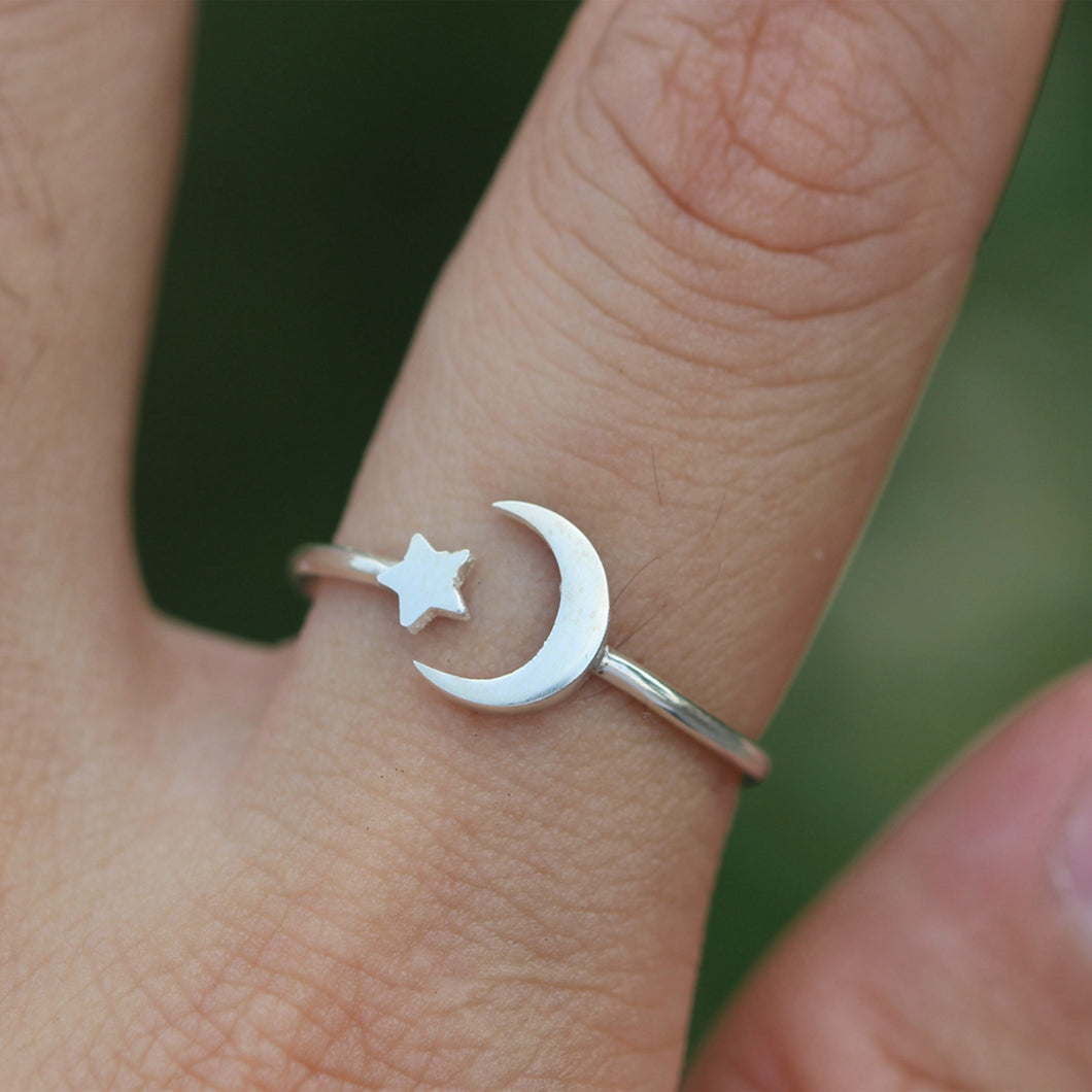 925 sterling silver moon and star ring,dainty half moon ring,Moon phases ring,Crescent Moon Ring,celestial jewelry,Minimalist jewelry,FL238R