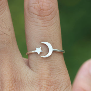 Load image into Gallery viewer, 925 sterling silver moon and star ring,dainty half moon ring,Moon phases ring,Crescent Moon Ring,celestial jewelry,Minimalist jewelry,FL238R