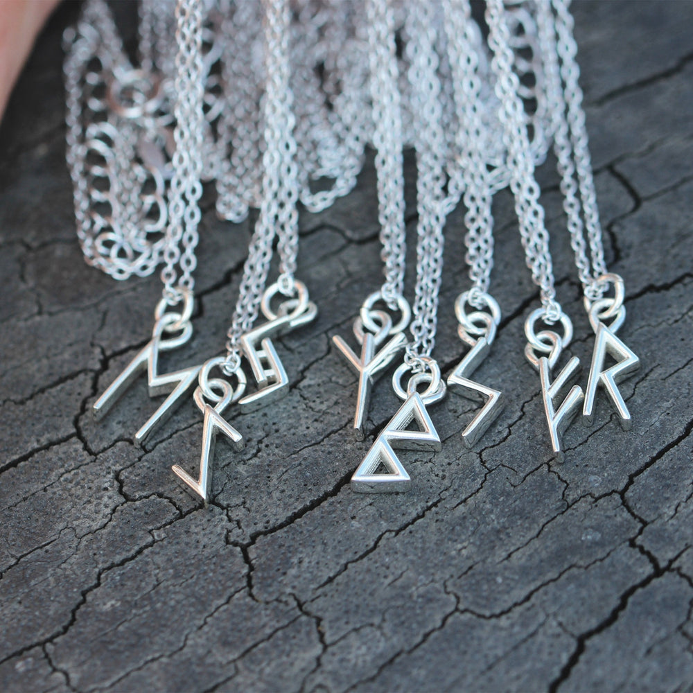 Load image into Gallery viewer, silver rune necklace,runes necklace,Fehu rune necklace,Ansuz,Raihdo,Tiwaz,Berkano,Mannaz,Ingwaz,Othala,Odal Rune,Elder Futhark,Norse Viking
