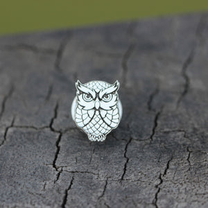 Load image into Gallery viewer, sterling silver lucky owl brooch