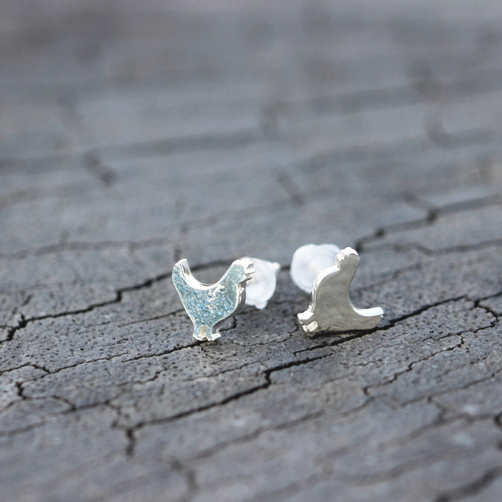 Load image into Gallery viewer, Sterling silver hen earrings,Chicken Earrings, Rooster Jewelry,cock earrings,family animal jewelry