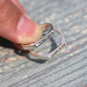 Load image into Gallery viewer, leave note - Custom SILVER Initial ring, letter ring, Personalized silver word ring,letters Jewelry, dainty silver ring,gift idea