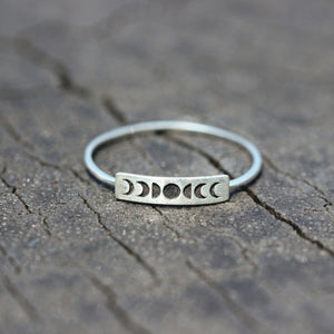 Load image into Gallery viewer, silver moon phase ring,Crescent Moon ring,moon cycle ring,sterling silver,Dainty Moon ring,celestial jewelry,Celestial rings,gift for her