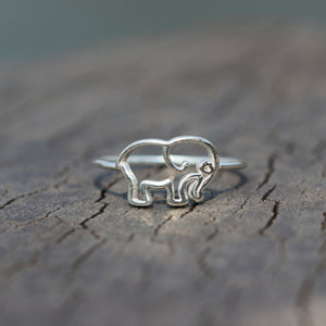 Load image into Gallery viewer, silver elephants RING,baby Elephant Ring,Elephant Animal jewelry,Handmade Silver Animal Ring,gifts idea