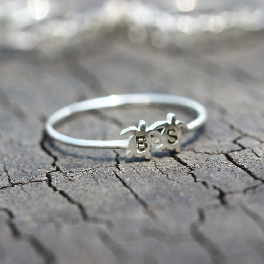 Load image into Gallery viewer, sterling silver Sea turtles Ring,custom initial ring,Personalized letter Ring,Tiny silver ring,Sterling silver Ring,Thin silver ring,1MM