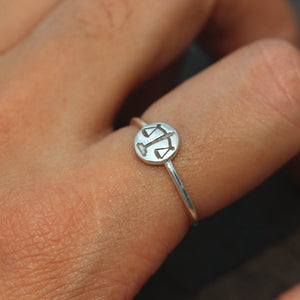 Load image into Gallery viewer, sterling silver Libra ring,Scales of Justice ring,balance ring,balance jewelry,Zodiac Ring