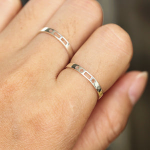 Load image into Gallery viewer, leave note - Custom Morse Code RING,Personalized Secret Message Ring,sterling silver initial ring,Secret love ring,name ring,stackable ring,gift idea