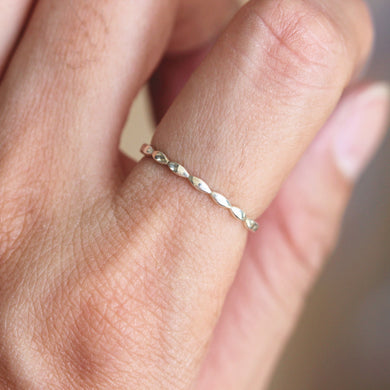 simple geometric ring,Silver Infinity ring,Simple Thin MIDI ring,everyday jewelry,tiny 925 sterling silver jewelry