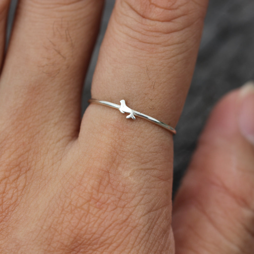 Load image into Gallery viewer, silver Dolphin ring,Sea Lion ring,925 sterling silver ring,animal lover jewelry,peace ring,birthday gift,natural ring,