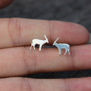 Load image into Gallery viewer, solid 925 silver saiga stud earrings,sheep earrings,goat earrings,silver earrings silver,animal lover earrings,midi jewelry,dainty jewelry