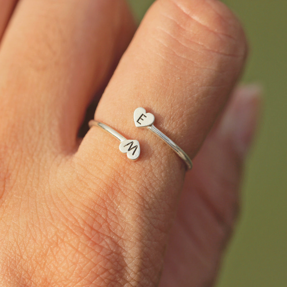 Load image into Gallery viewer, leave note - 925 silver Dainty Initial Ring,double heart ring,love ring,Personalized letter Ring,Minimal Initial Jewelry,Stacking jewelry,Family Ring,gift idea