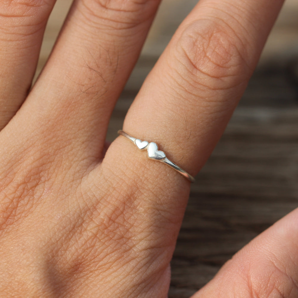 Load image into Gallery viewer, solid 925 silver double heart ring,midi silver ring,ring,love ring,my love jewelry,2 heart ring,gift idea