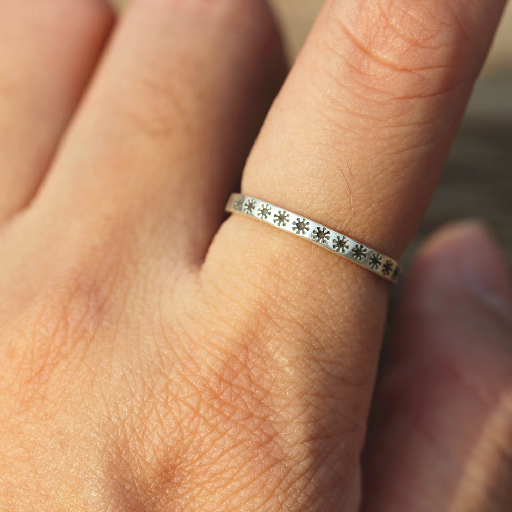 Load image into Gallery viewer, solid 925 silver star of chaos ring,star ring silver,tiny band ring,chao star,Symbol of Chaos jewelry