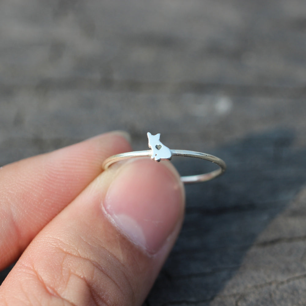 Load image into Gallery viewer, sterling silver French Bulldog ring,dog ring,Bulldog jewelry,silver family jewelry,rings,Animal Rings,animal lover jewelry,beagle jewelry