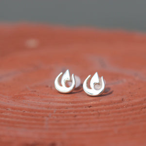 Load image into Gallery viewer, 925 silver fire stud earrings,natural element earrings,fire earrings,fire jewelry,fire nation jewelry