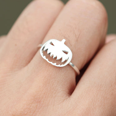 Sterling silver Halloween ring,Pumpkin jewelry,Horror inspired ring,Pumpkin Ring