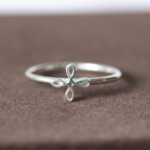 Load image into Gallery viewer, CELTIC HAPPINESS Symbol dainty ring