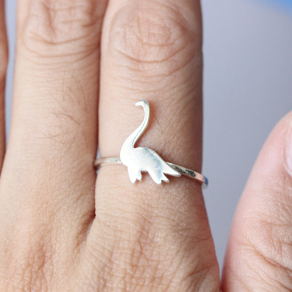 Load image into Gallery viewer, Loch Ness Monster, sterling silver ring,Dinosaur ring, Elasmosaurus Dinosaur , Cryptozoology Gift, Dinosaur gift, Scientific gift
