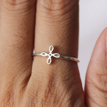 CELTIC HAPPINESS Symbol dainty ring
