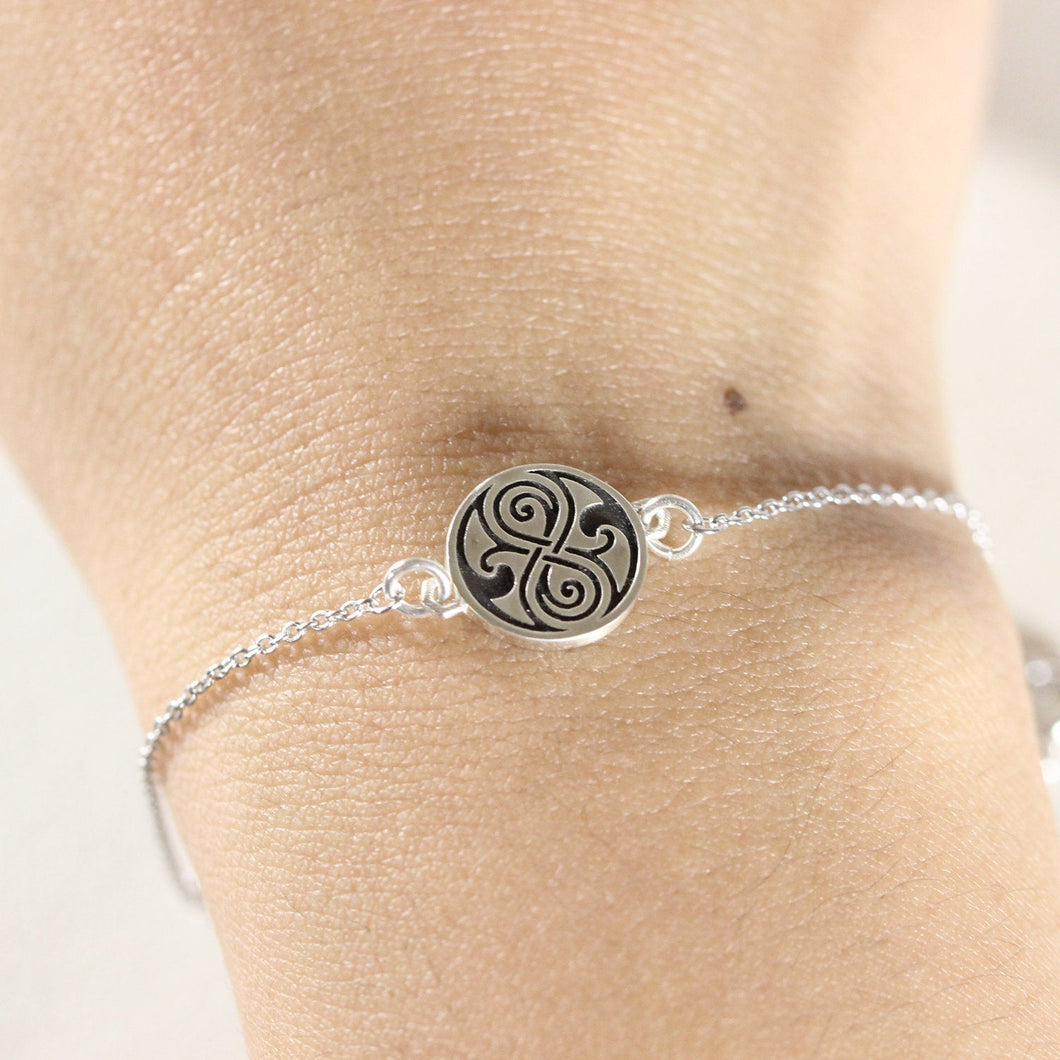 925 Sterling silver DW Rassilon Seal bracelet,Seal of Rassilon bracelet,Dynamic Gallifrey jewelry,Dr Who jewelry gift idea