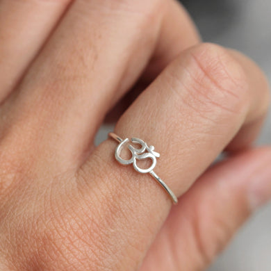 Sterling silver Ohm Om Ring,SILVER ring,OM ring,AUM ring,Amulet jewelry,Lucky ring