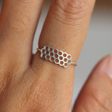 sterling silver dainty silver honeycomb ring,midi simple ring,ring silver,stacking ring,delicate minimalist ring
