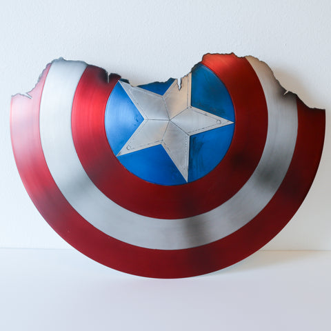 Captain America Broken Shield - Comic Sandwiches Prop Replicas