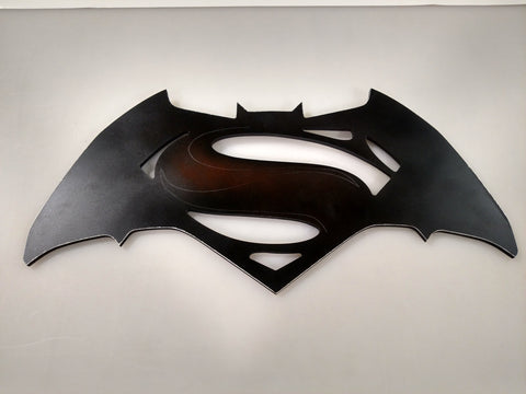 Batman V Superman Metal wall mount - Comic Sandwiches Prop Replicas
