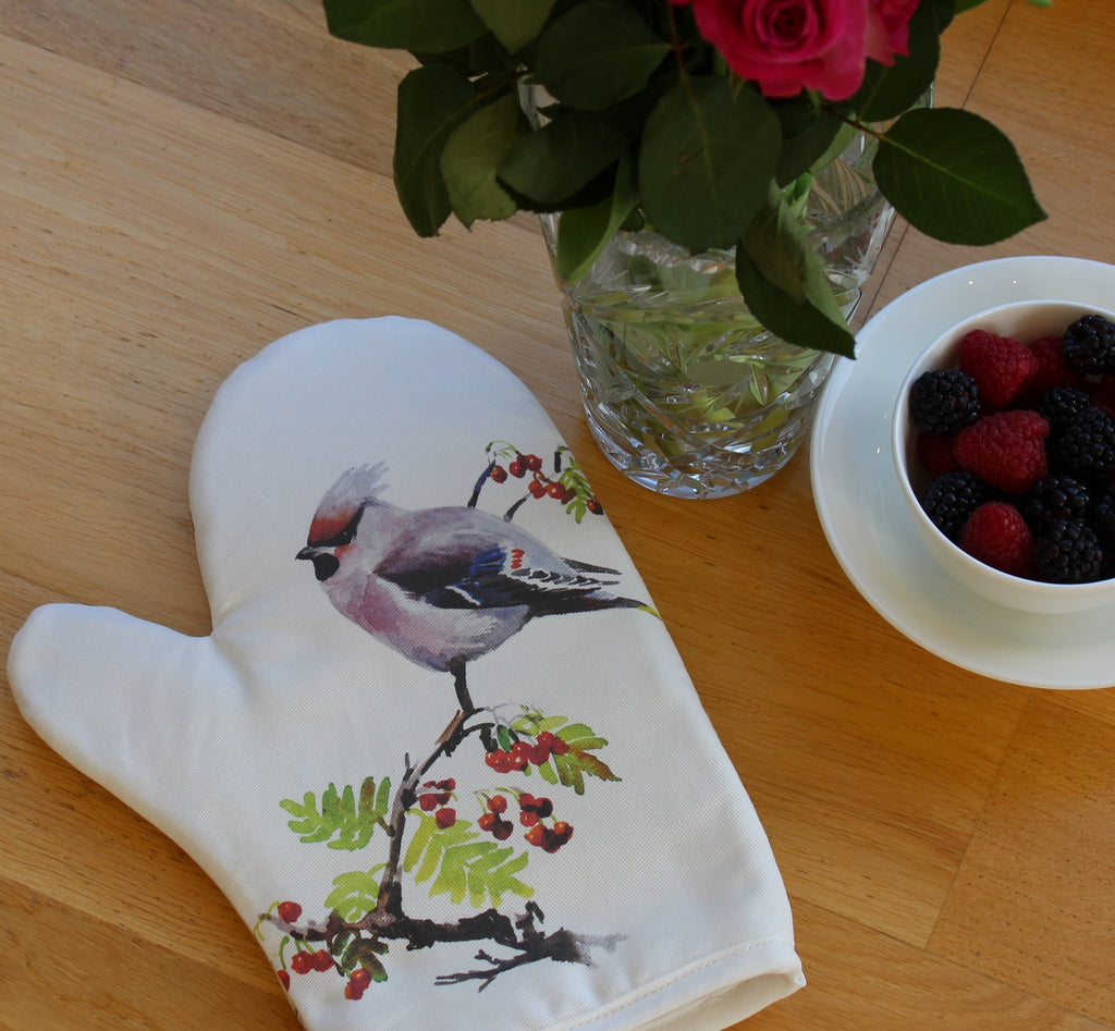 Orkney Storehouse | Waxwing Oven Mitt Lifestyle