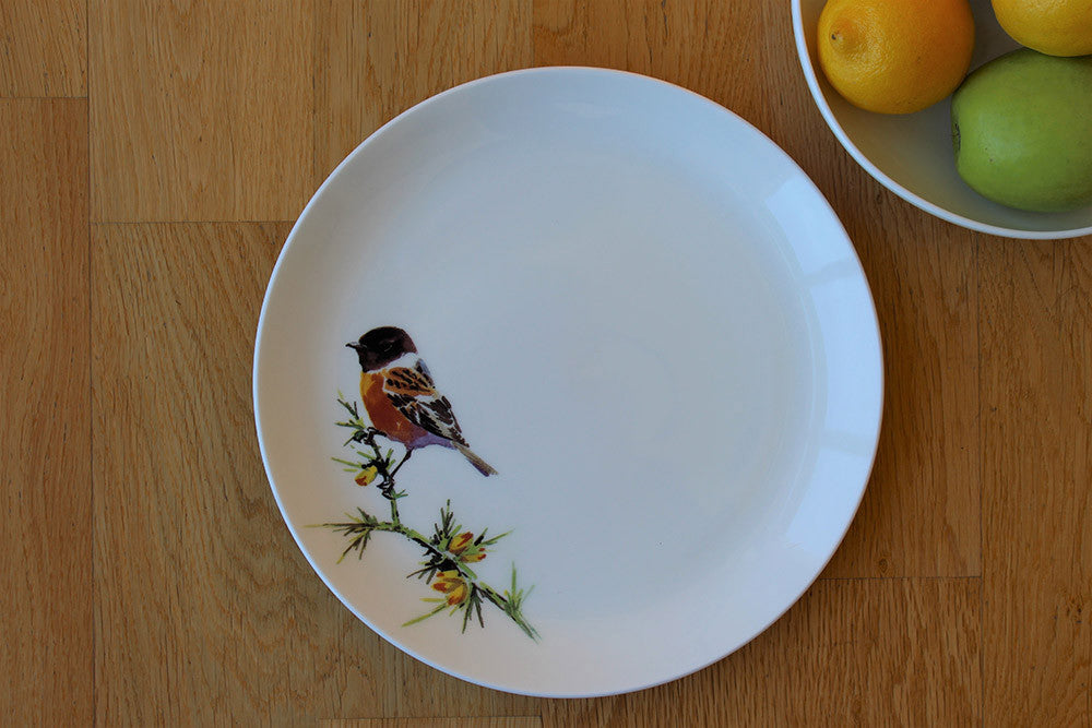 Orkney Storehouse | Stonechat Dinner Plate Lifestyle