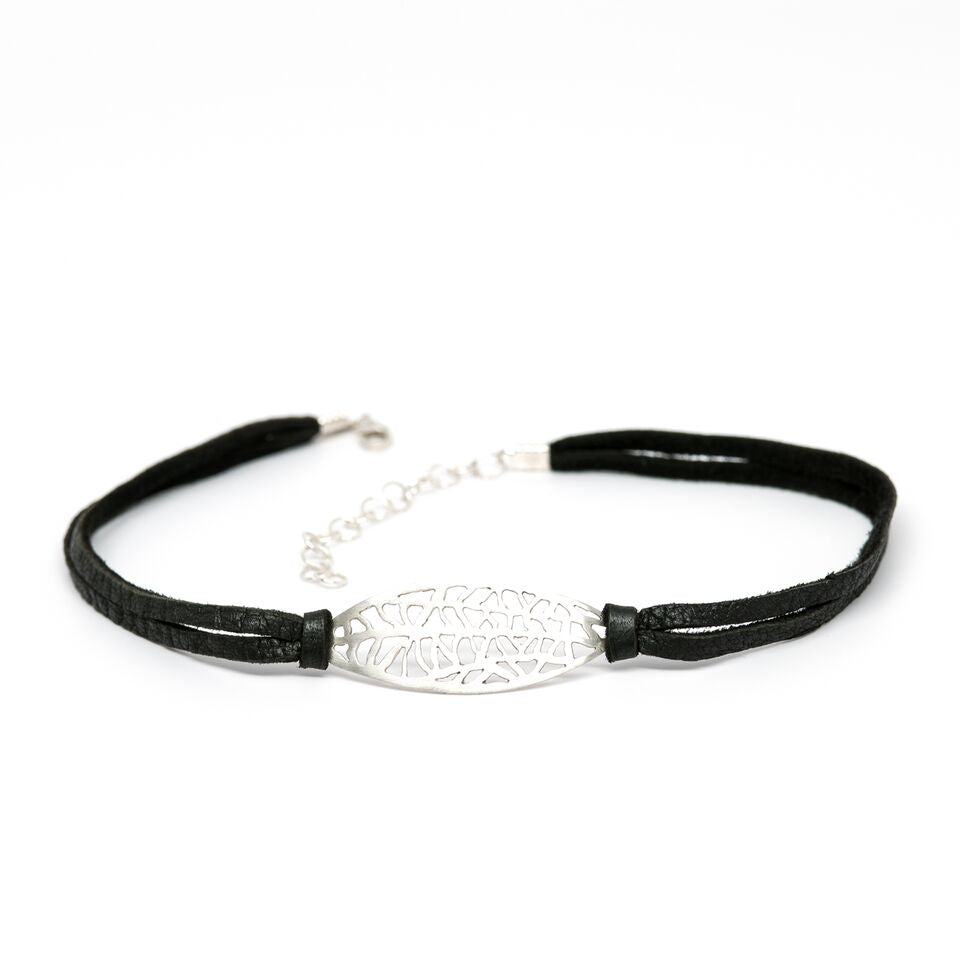 Vanda Choker on Black Leather