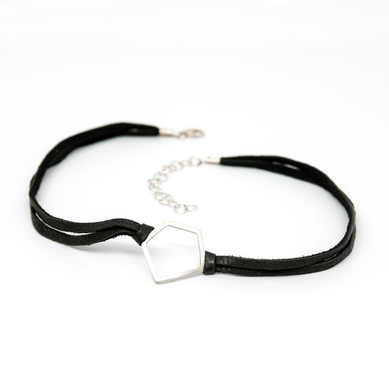 Medium Terrapin Choker on Black Leather