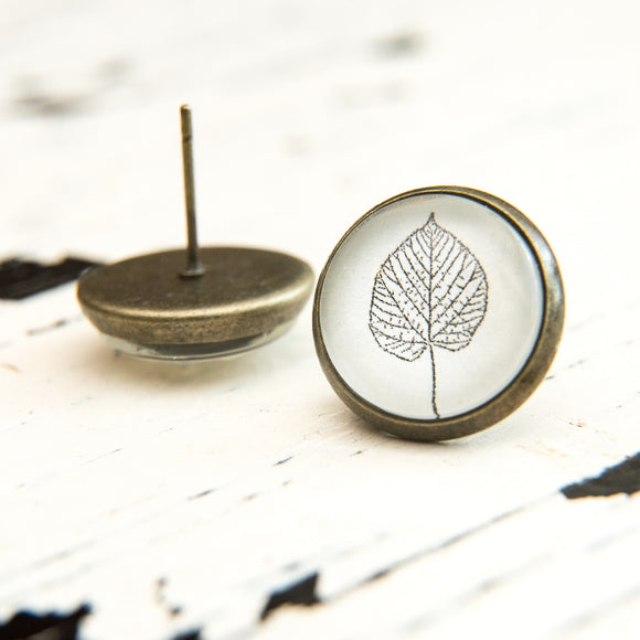 Cabochon Dangly & Stud Earrings / Natural Graphic Leaf / Black And White