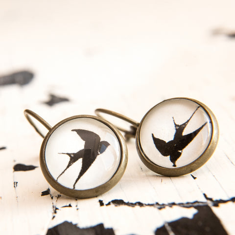 Cabochon Earring A Swallow